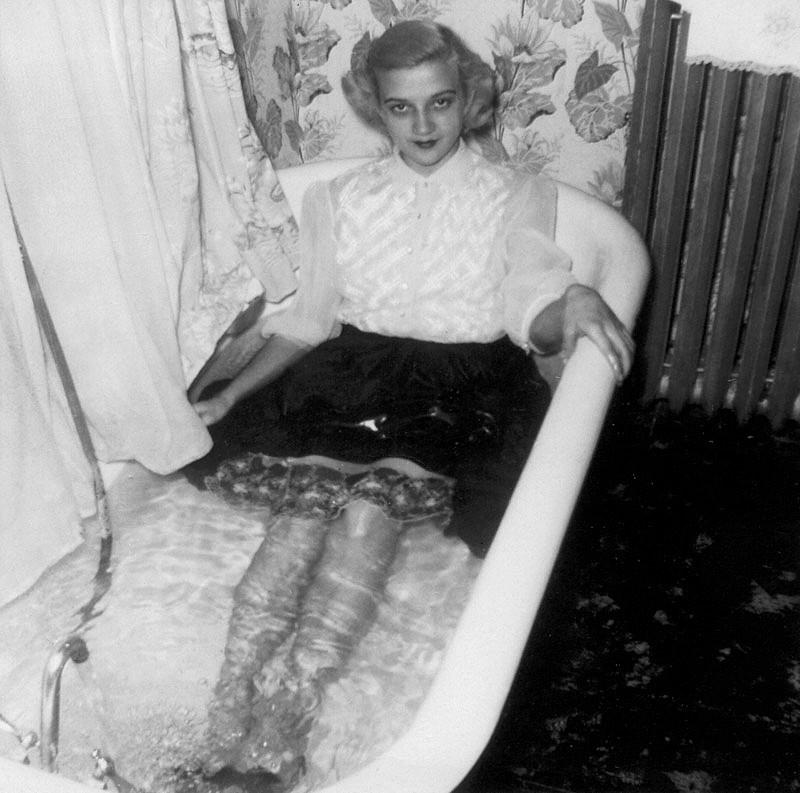 tub-1940-s-3-a.jpg